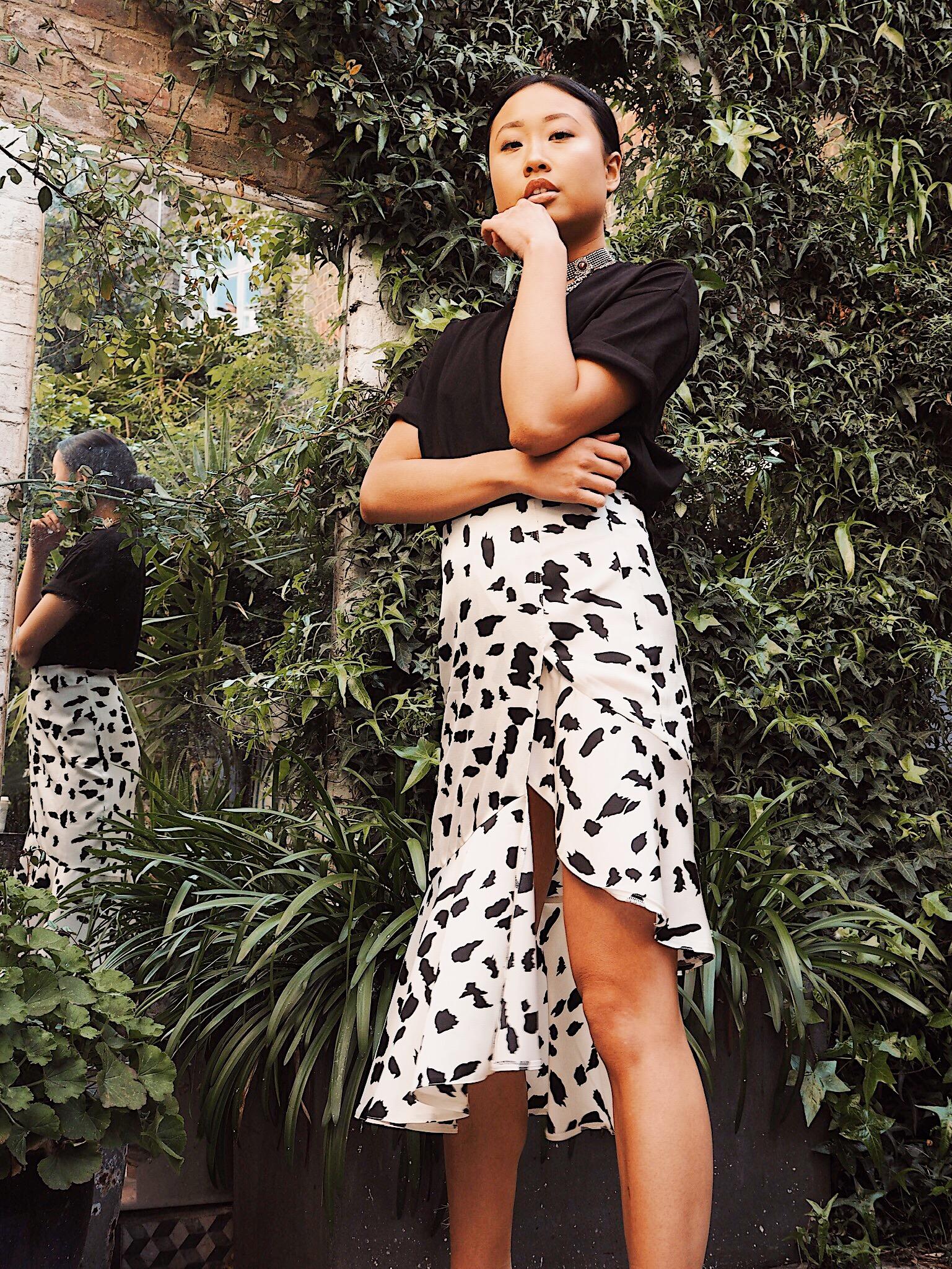 Suri Asymmetric Skirt- Black/ White